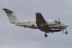 350JMさんが、厚木飛行場で撮影したアメリカ陸軍 C-12U-3 Huron (B200C)の航空フォト(写真)