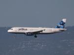 職業旅人さんが、サンフランシスコ国際空港で撮影したジェットブルー A320-232の航空フォト(写真)