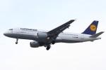 masa707さんが、ロンドン・ヒースロー空港で撮影したルフトハンザドイツ航空 A320-211の航空フォト(写真)