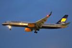 masa707さんが、ロンドン・ヒースロー空港で撮影したアイスランド航空 757-256の航空フォト(写真)