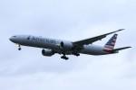 masa707さんが、ロンドン・ヒースロー空港で撮影したアメリカン航空 777-323/ERの航空フォト(写真)