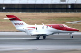 なごやんさんが、中部国際空港で撮影したホンダ・エアクラフト・カンパニー HA-420の航空フォト(写真)