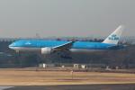 Koenig117さんが、成田国際空港で撮影したKLMオランダ航空 777-206/ERの航空フォト(写真)