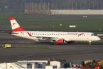 masa707さんが、アムステルダム・スキポール国際空港で撮影したオーストリア航空 ERJ-190-200 LR (ERJ-195LR)の航空フォト(写真)