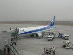 Rsaさんが、神戸空港で撮影した全日空 767-381の航空フォト(写真)