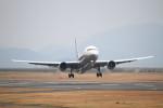 世捨て人さんが、山口宇部空港で撮影した全日空 767-381の航空フォト(写真)