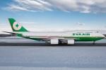 KIX Spotterさんが、新千歳空港で撮影したエバー航空 747-45Eの航空フォト(写真)