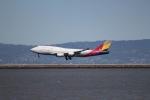 職業旅人さんが、サンフランシスコ国際空港で撮影したアシアナ航空 747-48EM(BDSF)の航空フォト(写真)