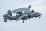 うめやしきさんが、厚木飛行場で撮影したアメリカ海軍 E-2D Advanced Hawkeyeの航空フォト(写真)