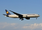 じーく。さんが、成田国際空港で撮影したルフトハンザ・カーゴ 777-FBTの航空フォト(写真)