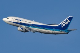 JA8961RJOOさんが、伊丹空港で撮影したANAウイングス 737-54Kの航空フォト(写真)