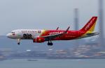 Asamaさんが、香港国際空港で撮影したベトジェットエア A320-214の航空フォト(写真)