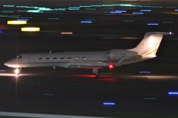 Wings Flapさんが、羽田空港で撮影したジェット・アビエーション・ビジネス・ジェット G-V-SP Gulfstream G550の航空フォト(写真)