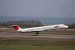 ポンタさんが、新潟空港で撮影した日本航空 MD-81 (DC-9-81)の航空フォト(写真)