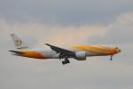 じゃりんこさんが、成田国際空港で撮影したノックスクート 777-212/ERの航空フォト(写真)