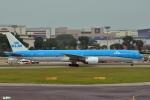 妄想竹さんが、シンガポール・チャンギ国際空港で撮影したKLMオランダ航空 777-306/ERの航空フォト(写真)