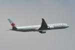 小弦さんが、バンクーバー国際空港で撮影したエア・カナダ 777-333/ERの航空フォト(写真)