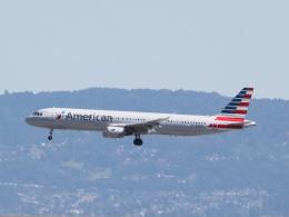 職業旅人さんが、サンフランシスコ国際空港で撮影したアメリカン航空 A321-211の航空フォト(写真)