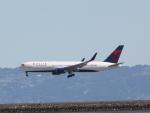 職業旅人さんが、サンフランシスコ国際空港で撮影したデルタ航空 767-3P6/ERの航空フォト(写真)