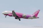 遠森一郎さんが、福岡空港で撮影したピーチ A320-214の航空フォト(写真)