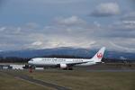 シャークレットさんが、旭川空港で撮影した日本航空 767-346の航空フォト(写真)
