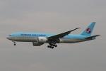 宮崎 育男さんが、成田国際空港で撮影した大韓航空 777-FEZの航空フォト(写真)