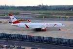 まいけるさんが、ウィーン国際空港で撮影したオーストリア航空 767-3Z9/ERの航空フォト(写真)