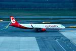 まいけるさんが、ウィーン国際空港で撮影したニキ航空 A321-211の航空フォト(写真)