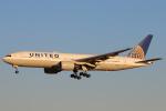 安芸あすかさんが、成田国際空港で撮影したユナイテッド航空 777-222/ERの航空フォト(写真)