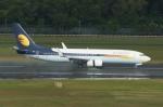 やまっちさんが、シンガポール・チャンギ国際空港で撮影したジェットエアウェイズ 737-85Rの航空フォト(写真)