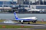 JA946さんが、羽田空港で撮影した全日空 767-381の航空フォト(写真)
