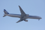 いっとくさんが、伊丹空港で撮影した全日空 777-381の航空フォト(写真)