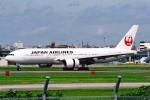 菊池 正人さんが、福岡空港で撮影した日本航空 777-246の航空フォト(写真)