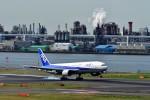 JA946さんが、羽田空港で撮影した全日空 777-281の航空フォト(写真)