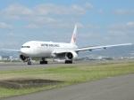 きつねさんが、伊丹空港で撮影した日本航空 777-246の航空フォト(写真)
