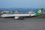 コギモニさんが、小松空港で撮影したエバー航空 A330-302の航空フォト(写真)