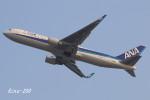 RINA-200さんが、関西国際空港で撮影した全日空 767-381/ERの航空フォト(写真)