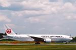 菊池 正人さんが、成田国際空港で撮影した日本航空 777-246/ERの航空フォト(写真)