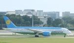 Seiiさんが、シンガポール・チャンギ国際空港で撮影したウズベキスタン航空 787-8 Dreamlinerの航空フォト(写真)