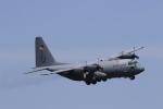 F-4さんが、横田基地で撮影したアメリカ空軍 C-130H Herculesの航空フォト(写真)
