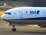 十六夜 NWAさんが、成田国際空港で撮影した全日空 777-381/ERの航空フォト(写真)