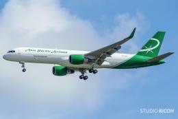 リコさんが、グアム国際空港で撮影したアジア・パシフィック・エアラインズ 757-29Jの航空フォト(写真)