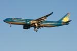こすけさんが、羽田空港で撮影したベトナム航空 A330-223の航空フォト(写真)