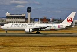 あしゅーさんが、伊丹空港で撮影した日本航空 767-346/ERの航空フォト(写真)