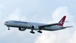 誘喜さんが、香港国際空港で撮影したターキッシュ・エアラインズ 777-3F2/ERの航空フォト(写真)