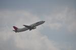 うすさんが、伊丹空港で撮影した日本航空 737-446の航空フォト(写真)