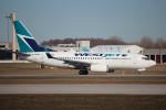 KAZ_YYZさんが、モントリオール・ピエール・エリオット・トルドー国際空港で撮影したウェストジェット 737-7CTの航空フォト(写真)