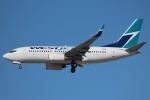 KAZ_YYZさんが、トロント・ピアソン国際空港で撮影したウェストジェット 737-7CTの航空フォト(写真)