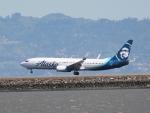 職業旅人さんが、サンフランシスコ国際空港で撮影したアラスカ航空 737-890の航空フォト(写真)