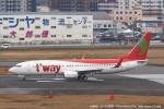 tabi0329さんが、福岡空港で撮影したティーウェイ航空 737-8BKの航空フォト(写真)